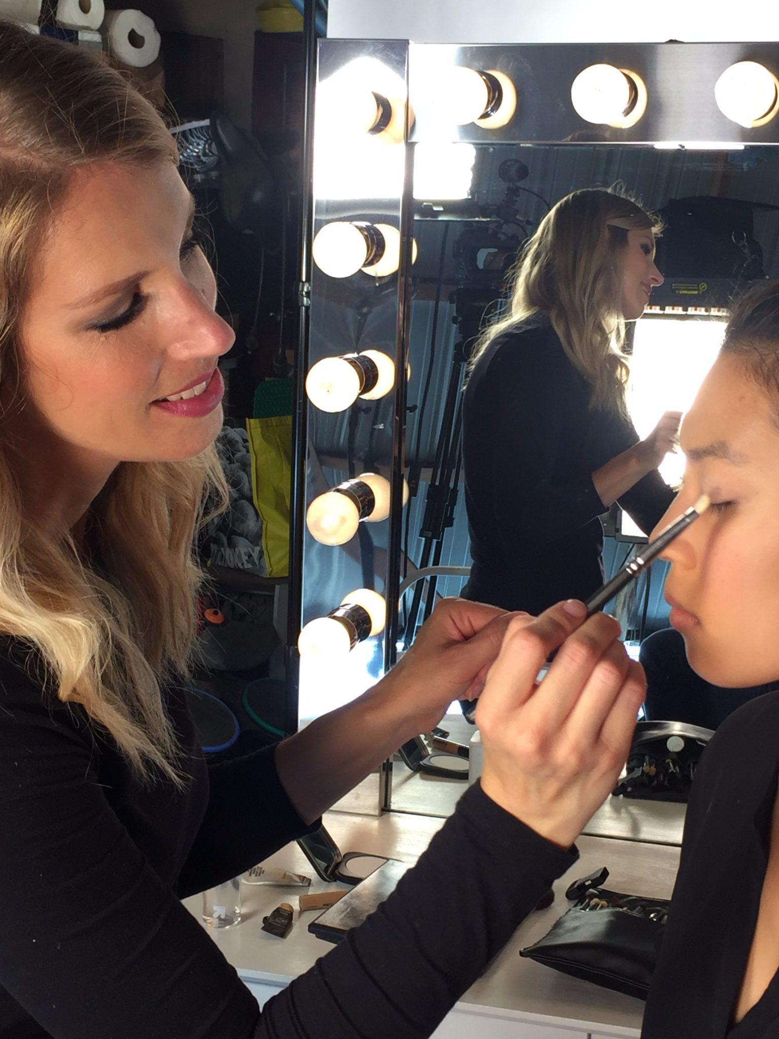 Online Makeup Lessons